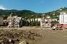 Sel ve su baskınlarında yaşamını yitirenlerin sayısı 64'e ulaştı