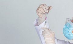 """TTB : """"Aşıların Dünyaya Eşit Şekilde Dağıtılması İçin Patent Koruması Kaldırılmalı"""""""